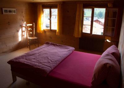 Schlafzimmer Dörfliseite Chalet Wildhorn